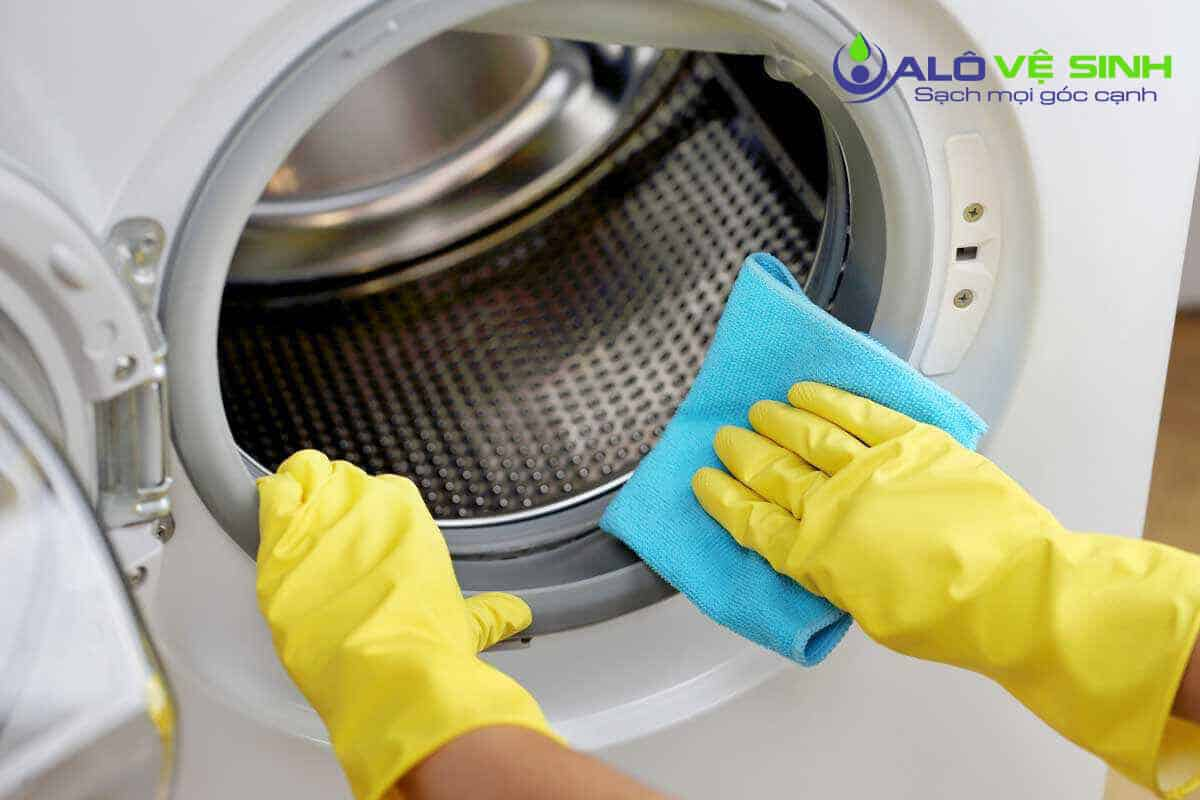 Cach-ve-sinh-may-giat-electrolux